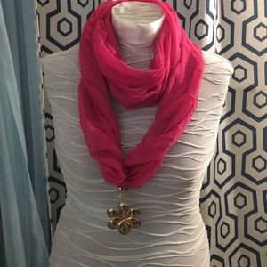 Accessories - Fun pink scarf